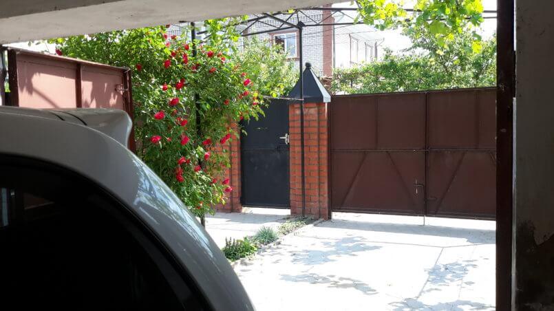 Вид из гаража