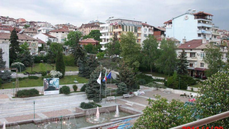 Вид из номера гостиницы Сандански