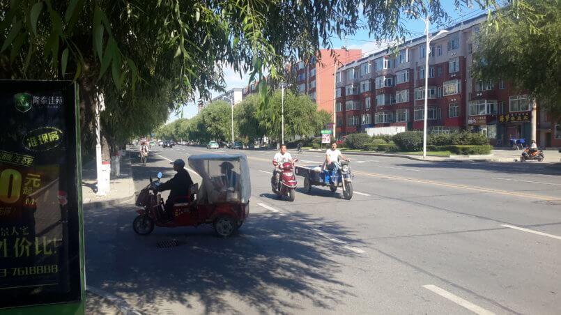 Популярный транспорт-мотороллер