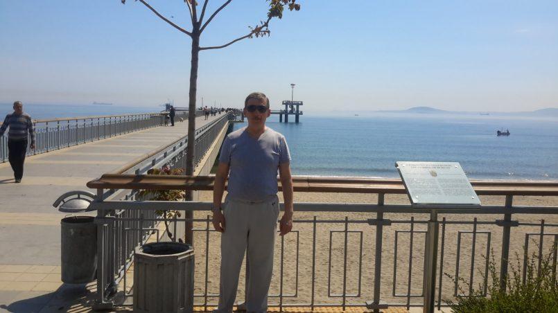 Автор на берегу моря в Бургасе
