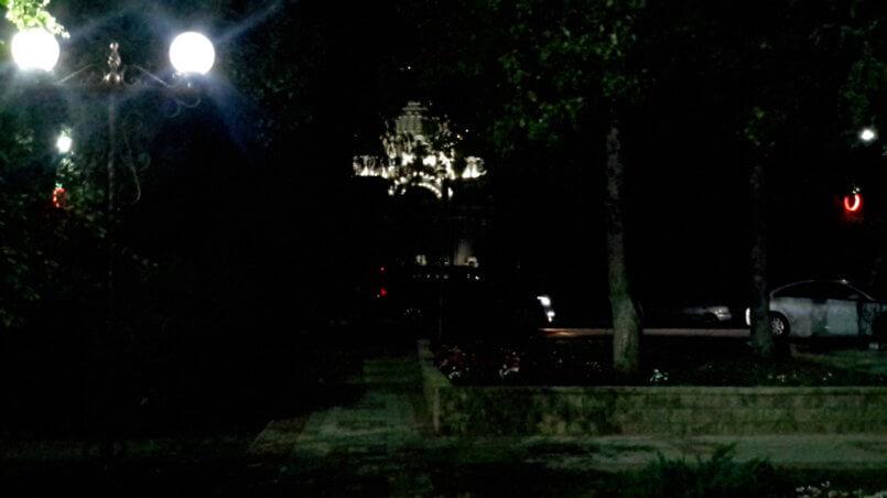 Храм вечером