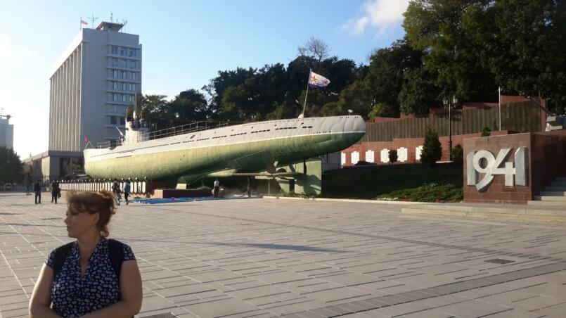 Вид на подводную лодку с кормы