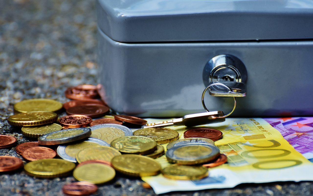 Валюта на столе